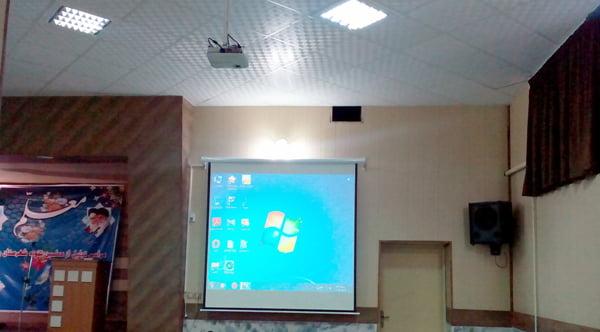 نصب دیتاپروژکتور در آموزش و پرورش چناران