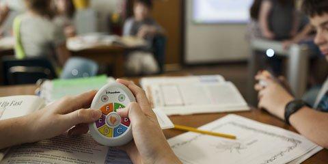 سیستم پاسخگویی دانش آموزان