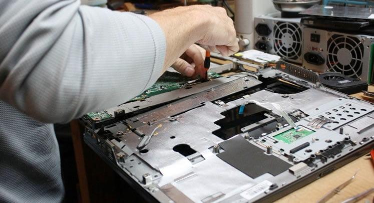 تعمیرات ال سی دی و استفاده از قطعات اصلی و اورجینال
