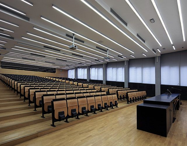 نورپردازی سالن همایش